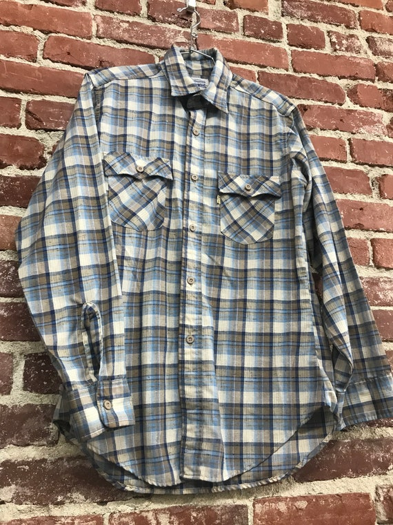 70s Men's Levis Cotton Long Sleeve Button Down Shirt Size Medium Shades of Blue Vintage