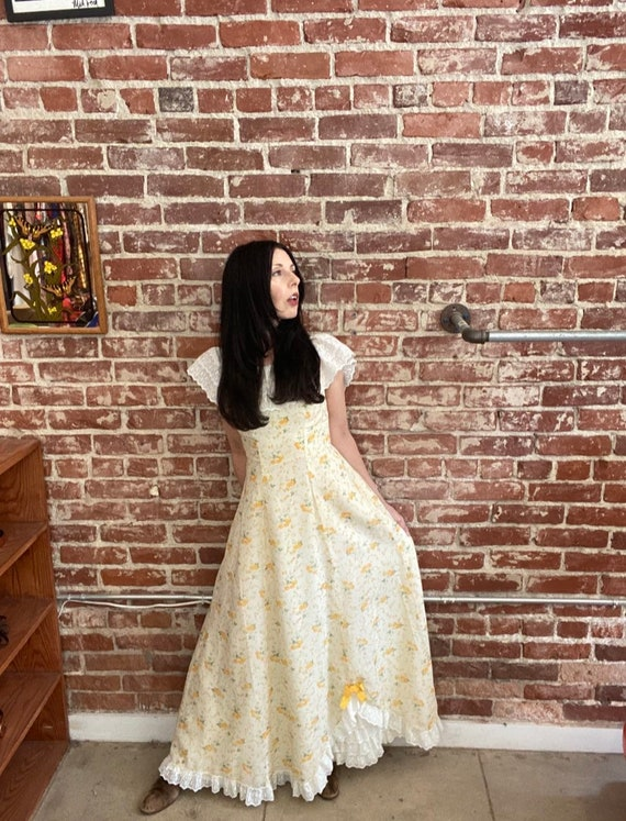 70s Pale Yellow Cotton Prairie Gown