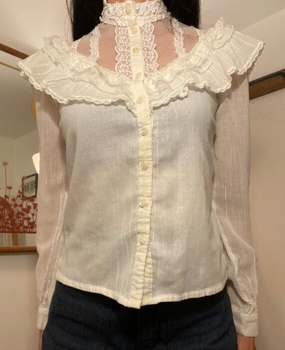70s Gunne Sax White Cotton Victorian Blouse - image 2