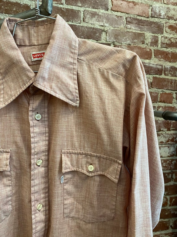70s Men's Levi's Red Chambray Shirt