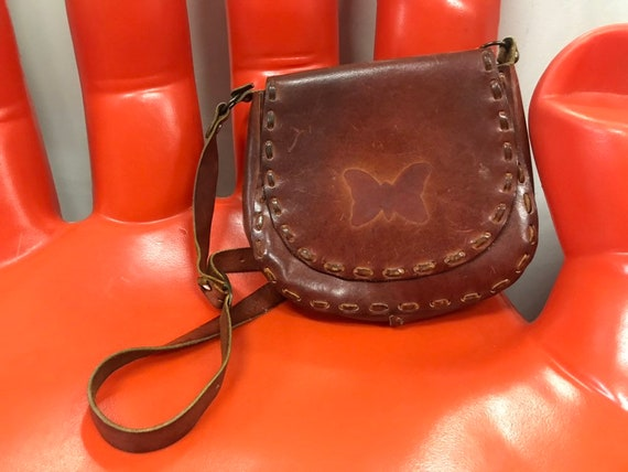 70s Embossed Hoop Ring Leather Butterfly Satchel Purse