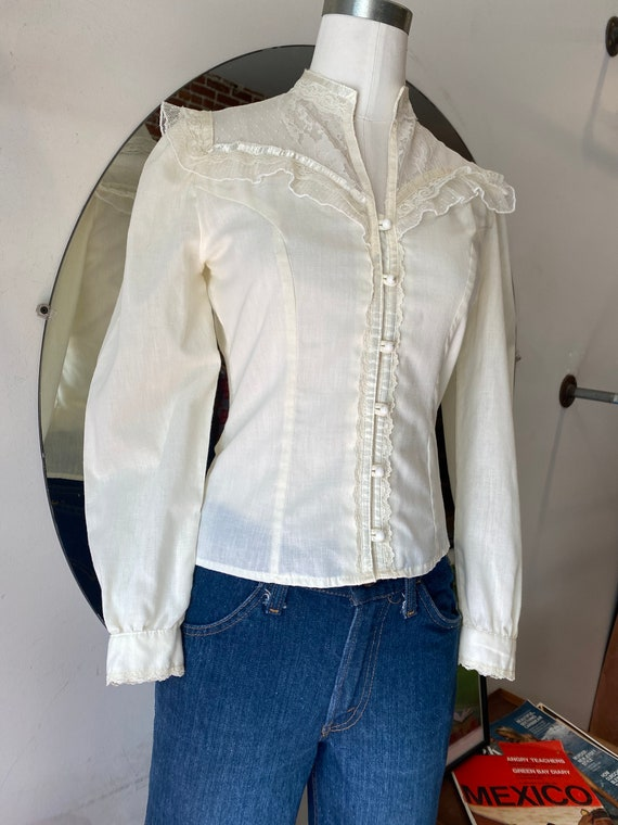 70s Crisp White Cotton & Lace Victorian Blouse - image 5