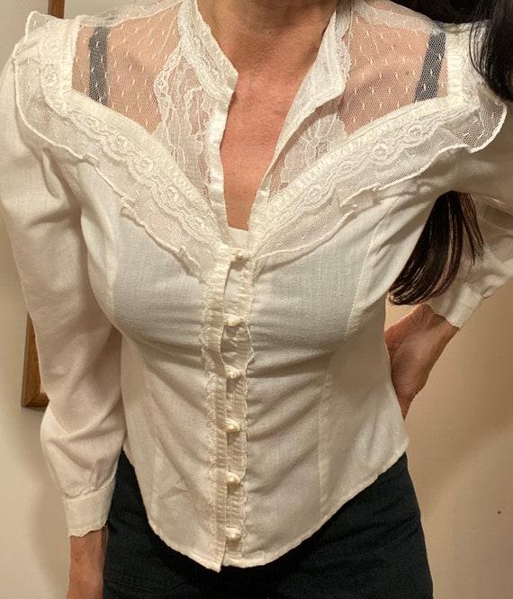70s Crisp White Cotton & Lace Victorian Blouse - image 2