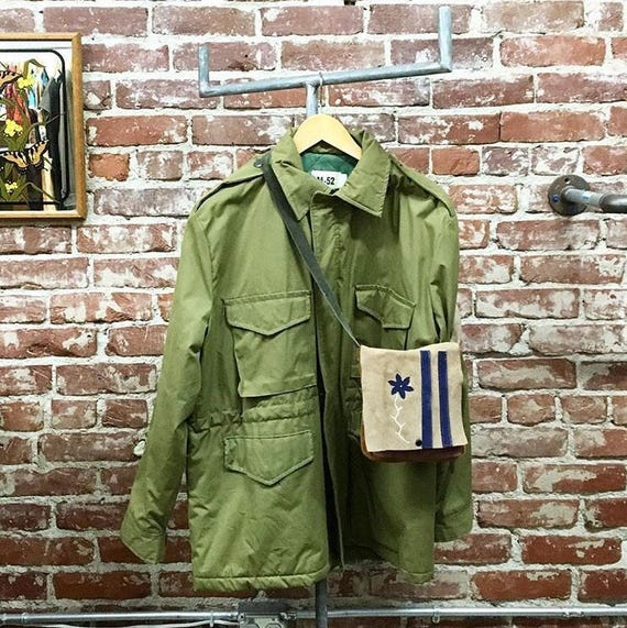 70s Men's Vietnam Era Military Coat. Quilted Green Lining. Canvas. John Lennon Size Medium Rare Vintage Seventies 1970s