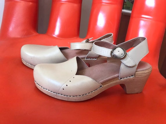 Vintage Sandy Leather Dansko Platform Mary Jane Clogs Size 37 size 6.5