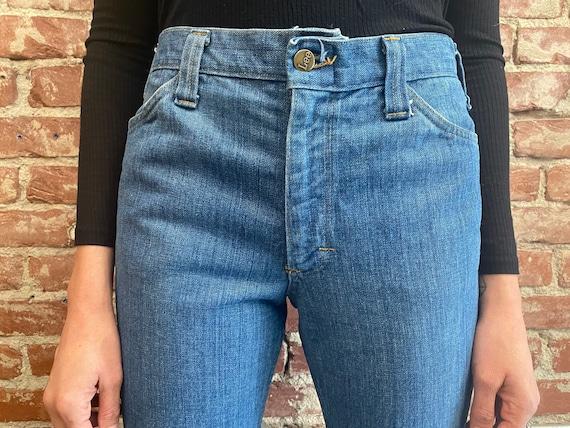 70s Lee Denim Saddle Back Denim Flared Jeans - image 5