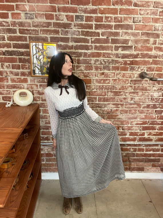 70s Black and White Gingham Peter Pan Collar Cotton and Lace Ruched Gown