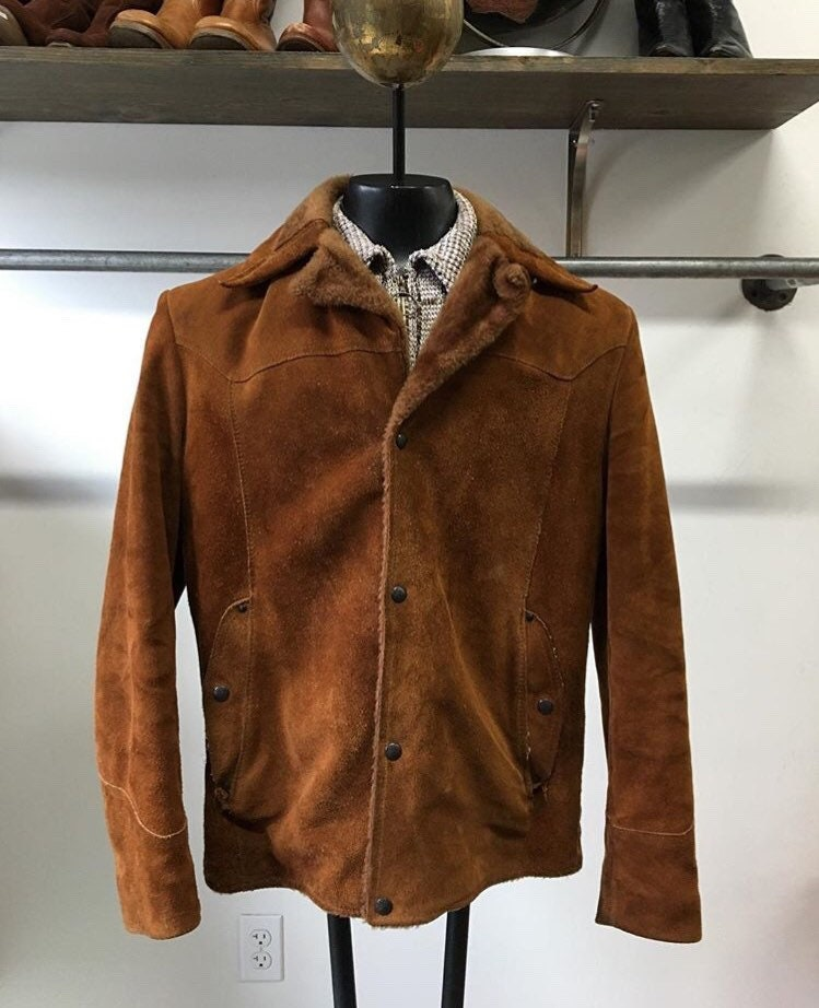 783edf441f1 70s Men s Sherpa Suede and Faux Fur lined Coat by Pioneer Wear 40 Chest  Size Medium Vintage Seventies 1970s
