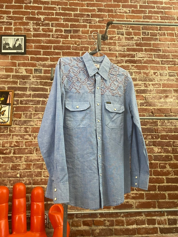 70s Men's Wrangler Embroidered Chambray Snap Butto