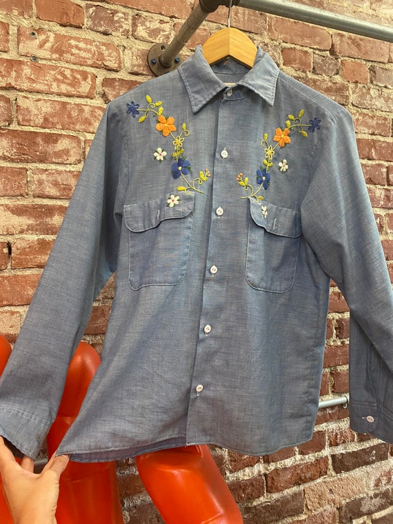 70s Embroidered Chambray Button Down Shirt - image 7