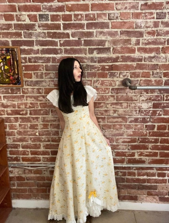70s Pale Yellow Cotton Prairie Gown Size Petite XS