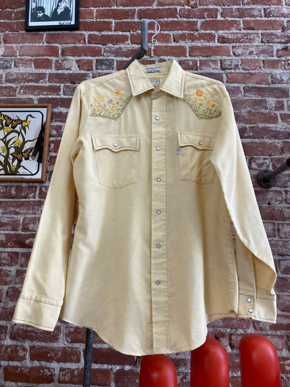 70s Men's Levi's Embroidered Snap Button Western S