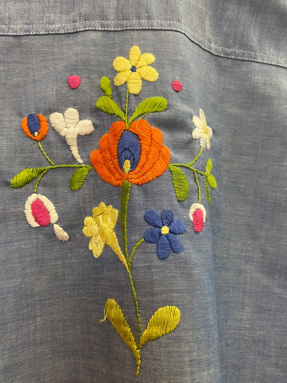70s Embroidered Chambray Button Down Shirt - image 5