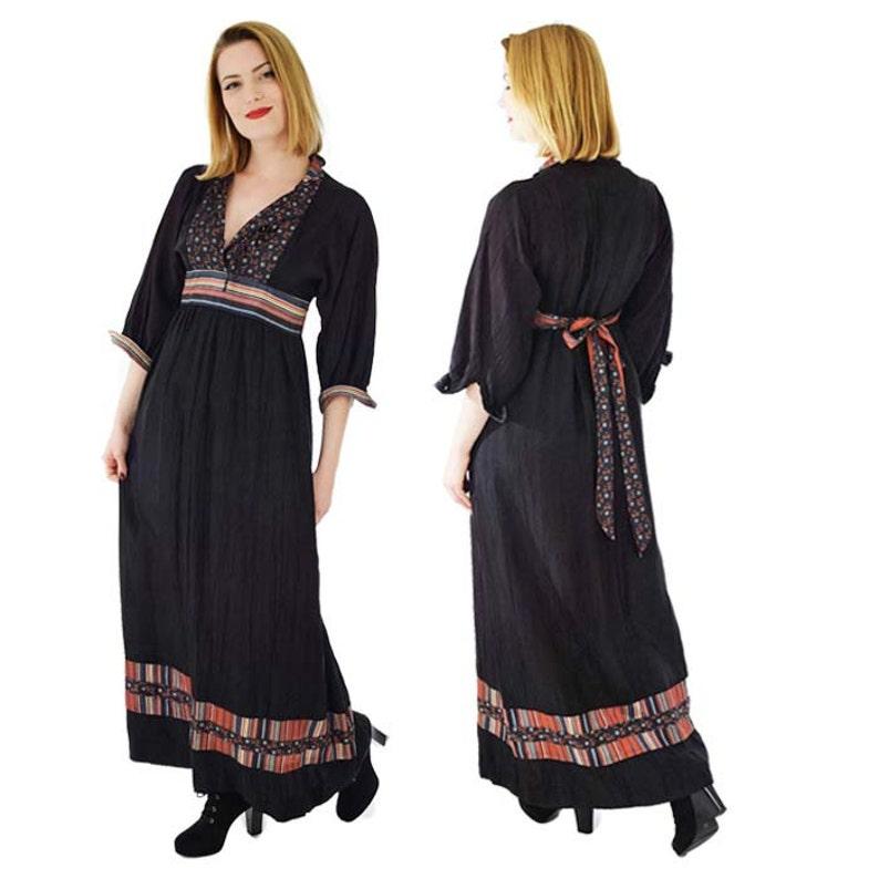 90cb22fe72f 70s Black Border Print Maxi Dress-Empire Waist S M