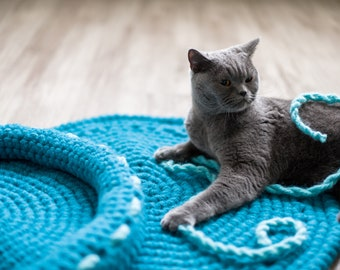A set of crochet cat bed and mat - crochet cat mat - crochet cat bed - wool cat mat - wool cat bed - a set of two