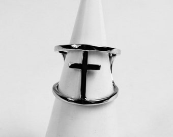 Cross in 925 Silver ring