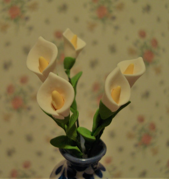 Clay Flower Pink White Lily Plant Dollhouse Miniature Handmade 1:12