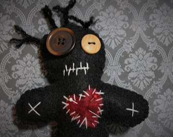 Voo Doo Doll-Black voodoo doll-Voodoo plush-Handmade felt creepy doll-Halloween decor-Primitive decor-Dark dolls-zombie doll