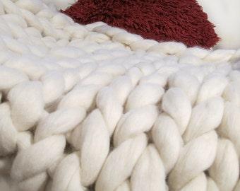 Handmade Super Chunky knit Blanket 100% Pure Merino Wool Blanket non-mulesed wool Throw Natural White Cream Extreme knitting giant knitting