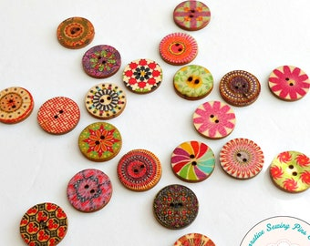 A PACK OF 20 WOODEN BUTTONS PRINTED DESIGN...........H FLOWER SHAPED 17mm