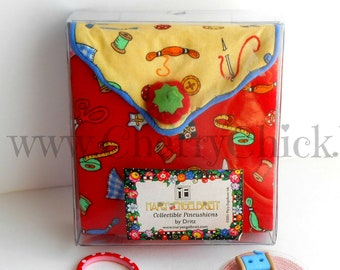Mary Engelbreit Sewing Kit - Sewing Pins - Mary Englebreit - Mary Engelbreit fabric - Gift for Quilters - Sewing Case