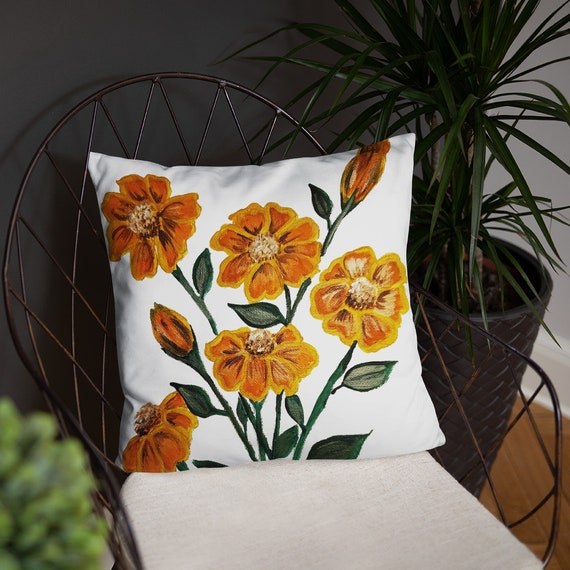 Golden Delight Floral Basic Pillow