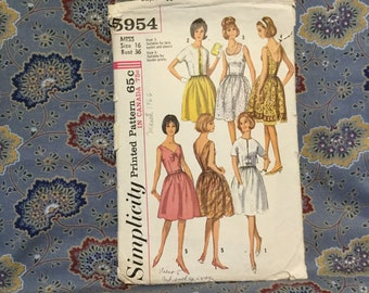 "Simplicity 60s dress pattern, miss pattern bust 36""."
