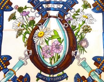 HERMES Foulard Soie Vintage avec sa Boîte, Carré HERMES Rare Bleu Blanc, Hermès  Carré Aux Champs, Vintage 1990, Noël cadeau pour Elle b8ea8a05f59