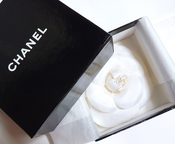 Large CHANEL Camellia Brooch Perfect Condition and
