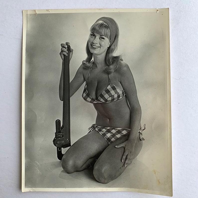 Female erotica plumber