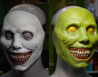 Creepy Halloween mask/smiling demon