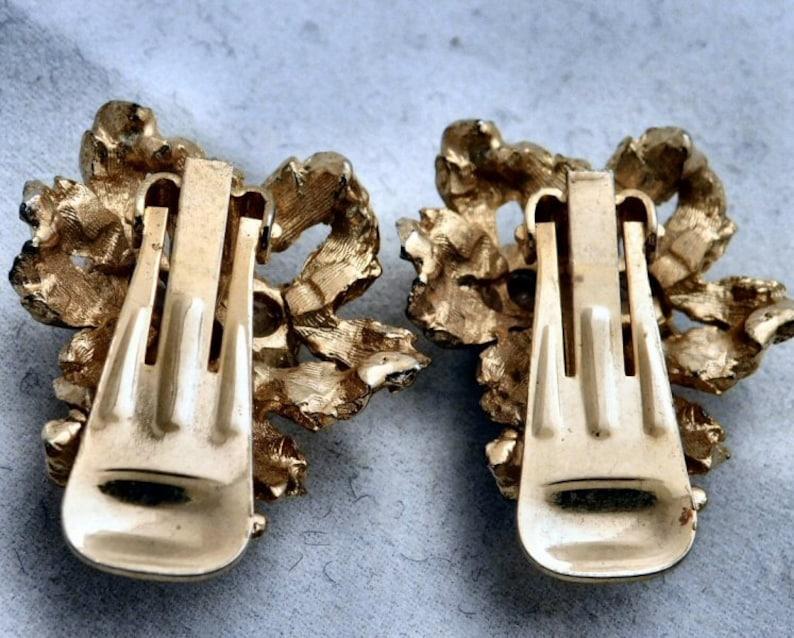 AURORA BOREALIS BLUE Earrings Goldentone Dazzling Rhinestone Gift for Her 901 Clip Vintage Beautiful Austrian Eye Catching Classic