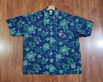 Vintage Looney Tunes Taz WB Hawaiian floral surf tiki blue green button up gear 1999 adult Medium embroidered gift decor party