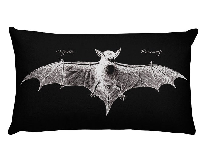 Fledermaus Throw Pillow