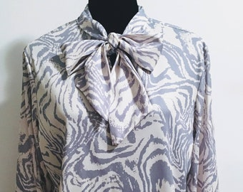 1970s Patterned Tie Neck Long Sleeve Blouse