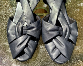Vintage Navy Blue Sling Back Heeled Sandals