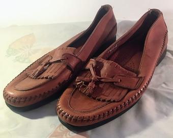 5eb0555fe3a Vintage Women s Dexter Tassel Fringed Loafers