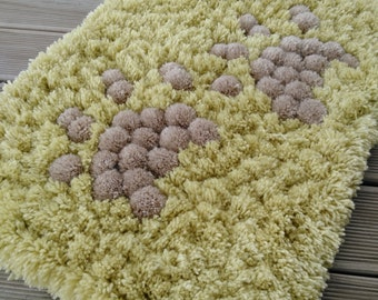 Playful Pom pom rug /handmade bathroom mat/home decor/pom pom carpet/nursery room/fluffy/multicolor/kids room decor/bedroom rug/door mat