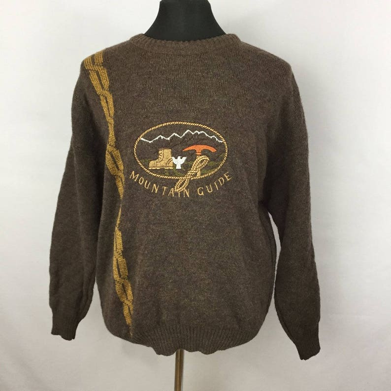 Vintage Men/'s Sweater L Large Sears Mountain Guide Embroidered Crew Neck Brown Gold Chain R6