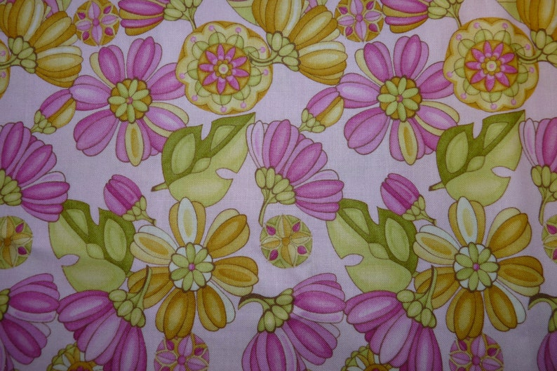 Yellow Green and White Floral Print 2 Fat Quarters in Pink Eden by Lila Tueller for Moda Fabrics 100/% Cotton Ready to Ship! TWO
