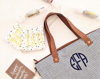 Seersucker Shoulder Bag, Bridesmaid Gift, Monogrammed Shoulder Bag, Monogrammed Purse, Personalized Bag, Monogrammed Bag, Gift for her, bags