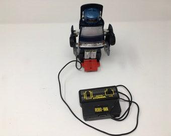 Toy Robo-Van auto change