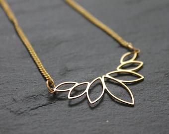 Geometric necklace, Minimalist Necklace, Boho Necklace, Brass necklace, Gold Flower necklace, Gold Necklace for women, Bohemian necklace