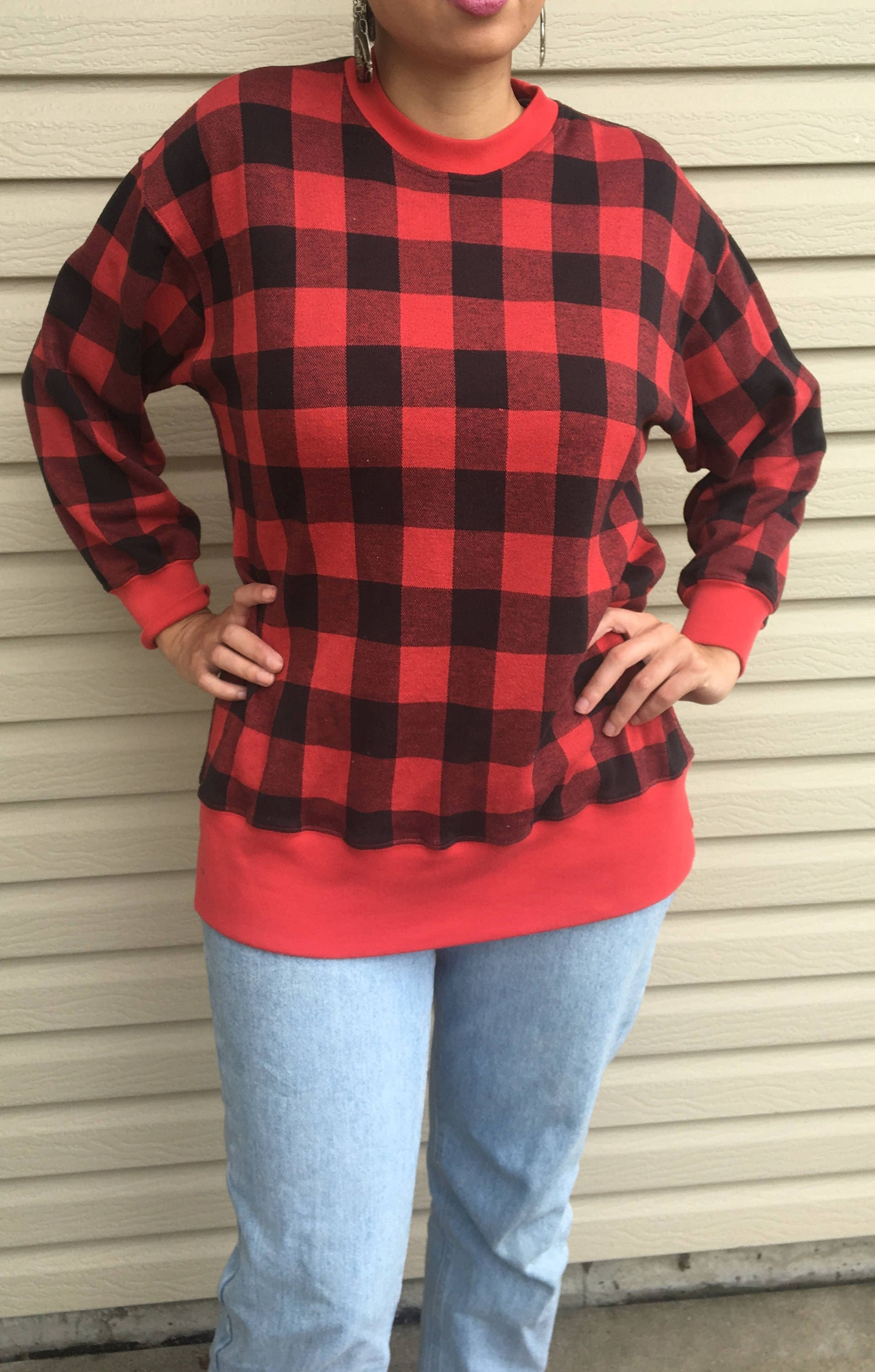 db5af5f95 Vintage 90 s red and black checkered sweater Blanche