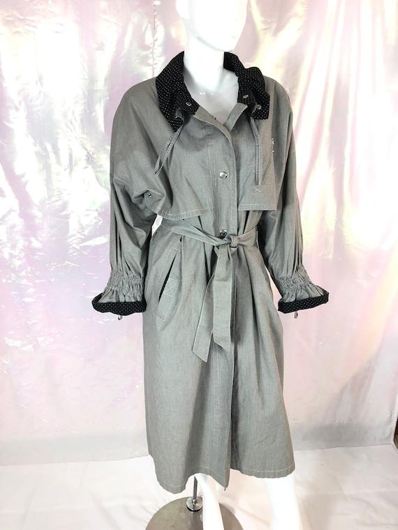 Vintage 80s long black white trench coat/long gray