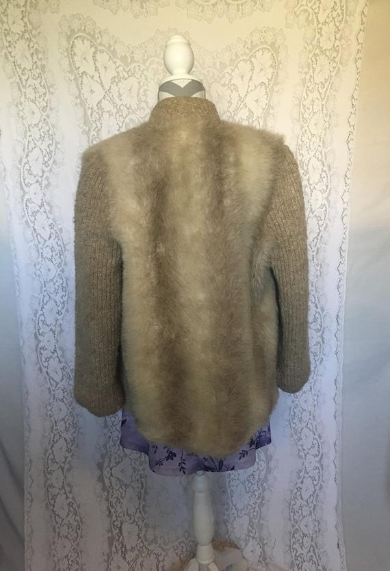 Vintage 60's/70's beige furry fuzzy jacket - image 2