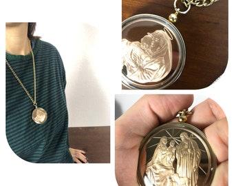 Vintage 70s gold chain link Mary Joseph Jesus birth medallion necklace