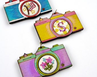 2 Retro Camera Pendant Embroidery Blanks - wood Frame cross stitch Craft Supply Jewelry