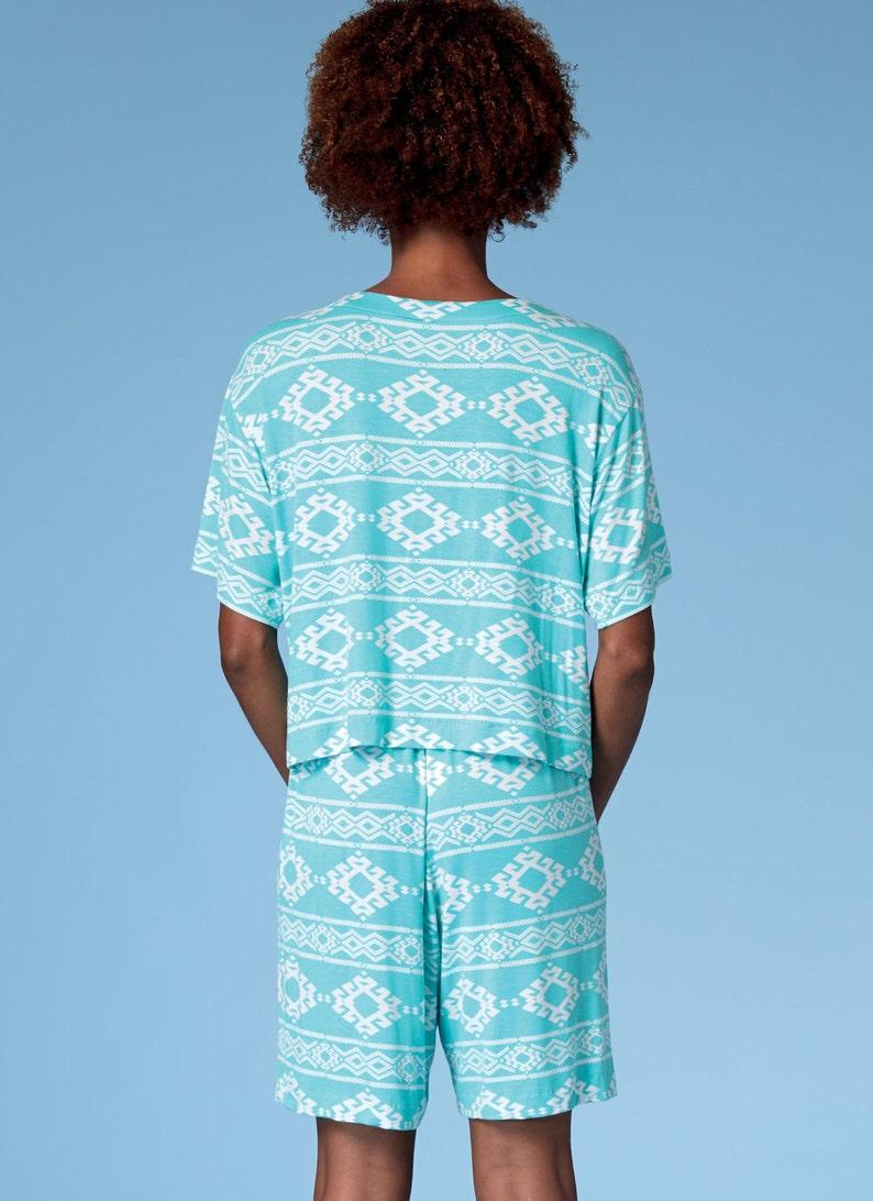 Sewing Pattern for Misses  Miss Petite Plus Sleepwear  7f972e94c