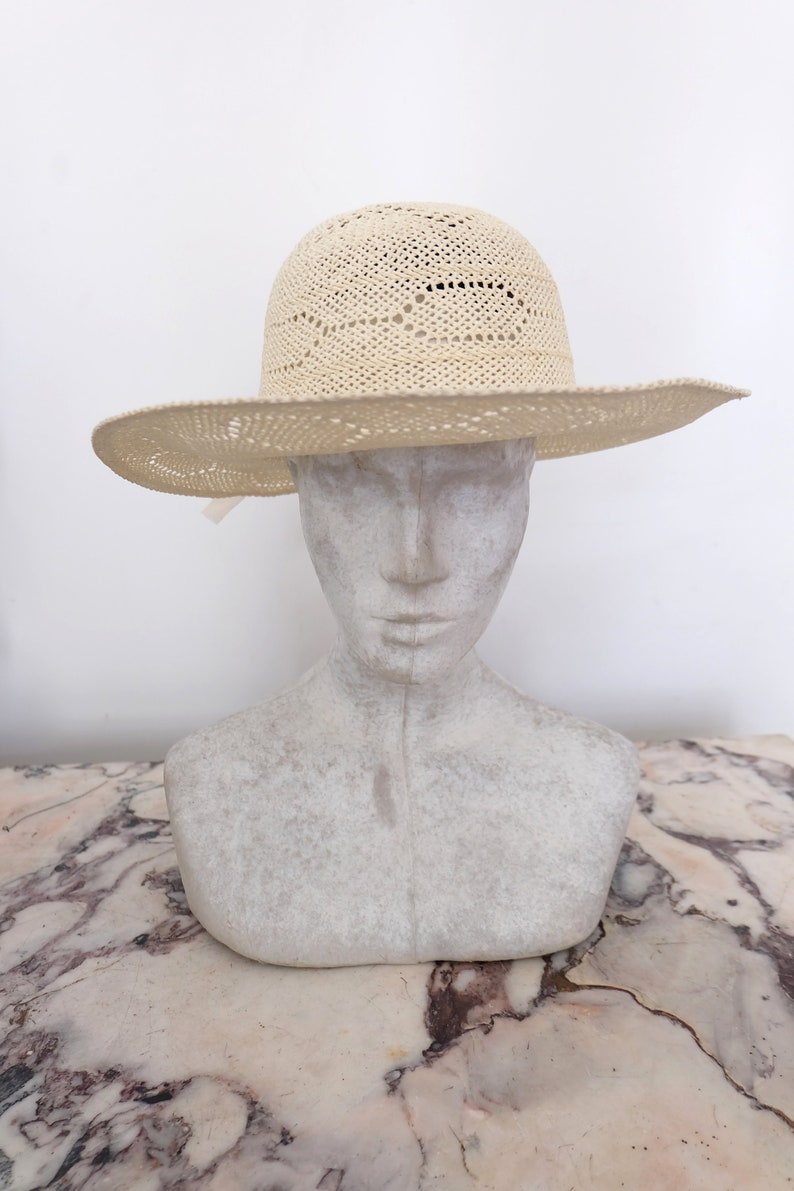 1960s vintage white straw sun hat with cute ribbon and flower